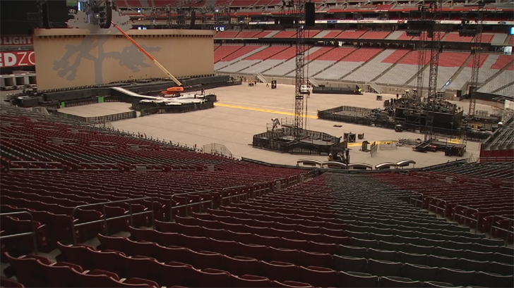It'll take the 120-person crew 3 hours to disassemble the stage. (Source: 3TV/CBS 5)