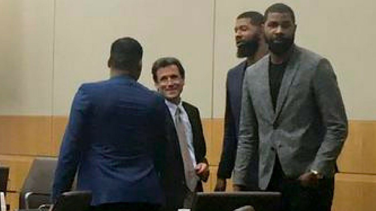 From left, Gerald Bowman, defense attorney Jim Belanger, Markieff Morris and Markieff Morristalk appear in the courtroom following opening statements made by attorneys Monday, Sept. 18, 2017, in Phoenix. (AP Photo/Clarice Silber)