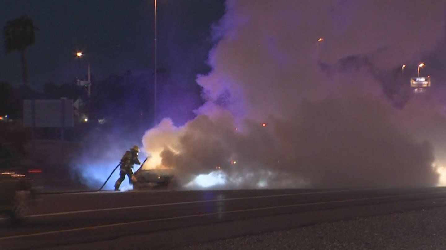A vehicle fire closed several lanes on eastbound Interstate 10 in Tolleson early Thursday morning. (Source: 3TV/CBS 5)