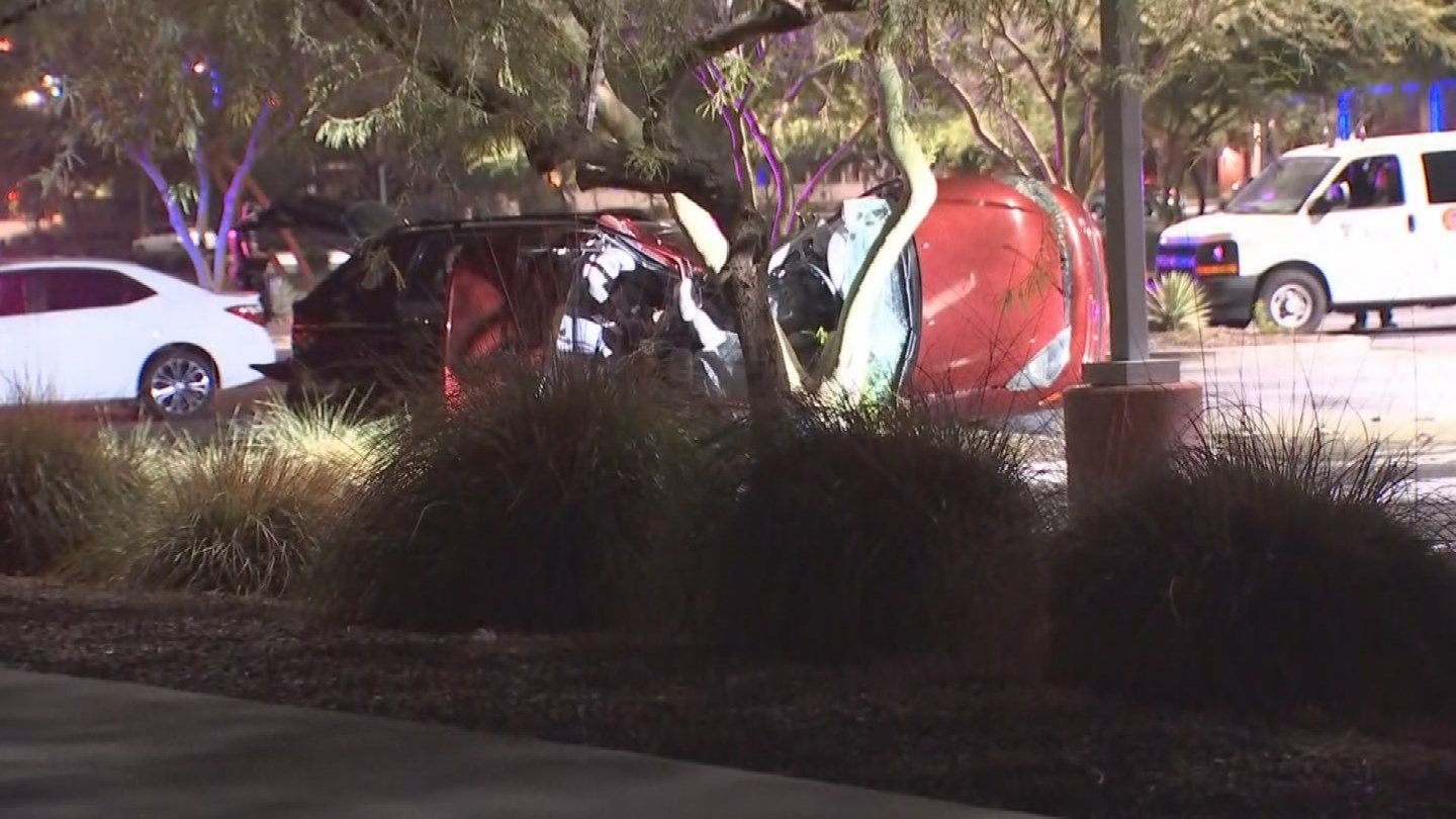 A man is on the run afterpurposely colliding with another vehicle in Tempe early Monday morning. (Source: 3TV/CBS 5)