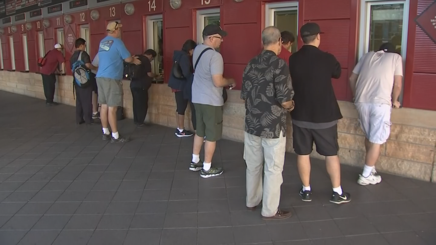 The Diamondbacks sold out the tickets for the Wild Card game in about an hour. (Source: 3TV/CBS 5)