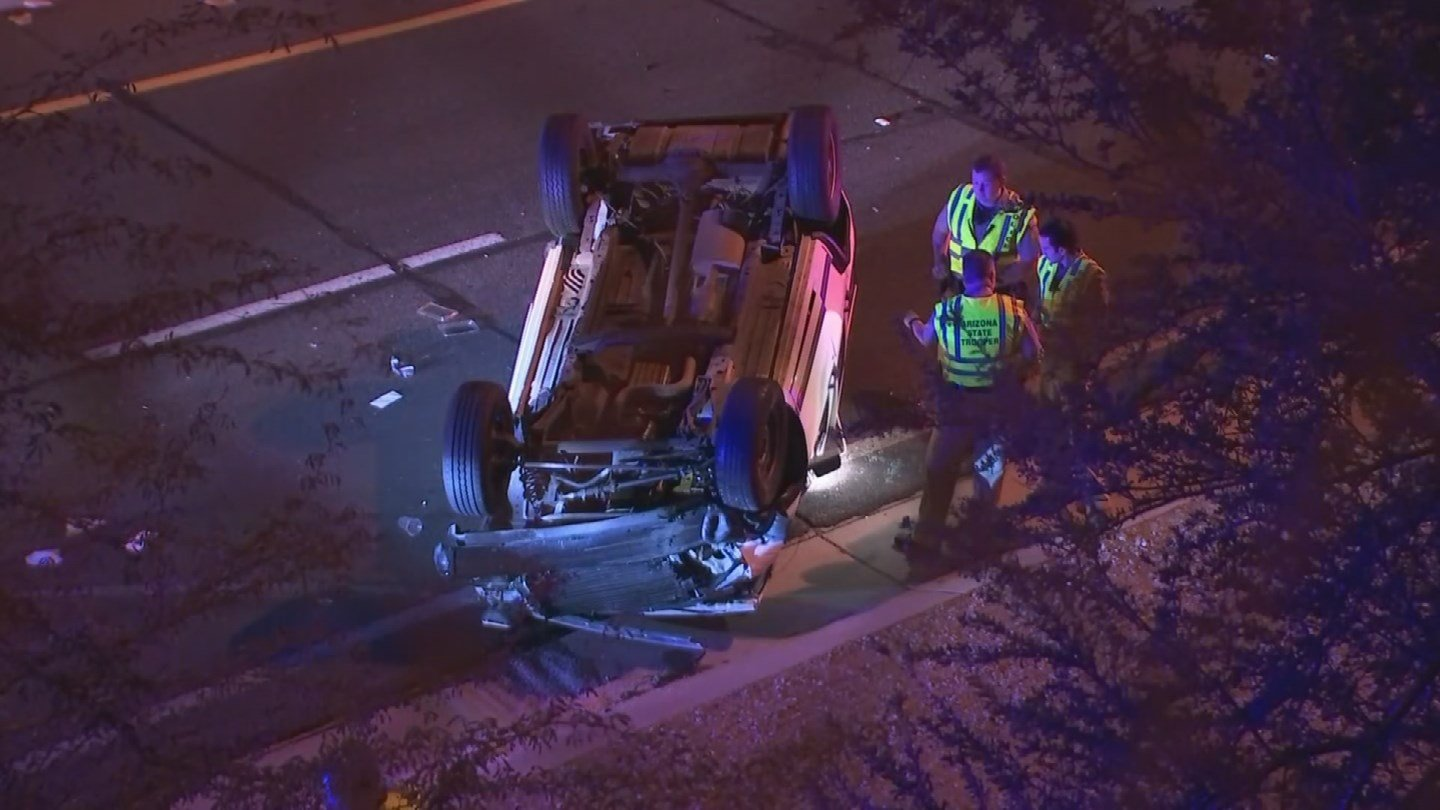 The northbound Loop 101 on-ramp was closed on the westbound U.S. 60 for a rollover accident early Tuesday morning. (Source: 3TV/CBS 5)