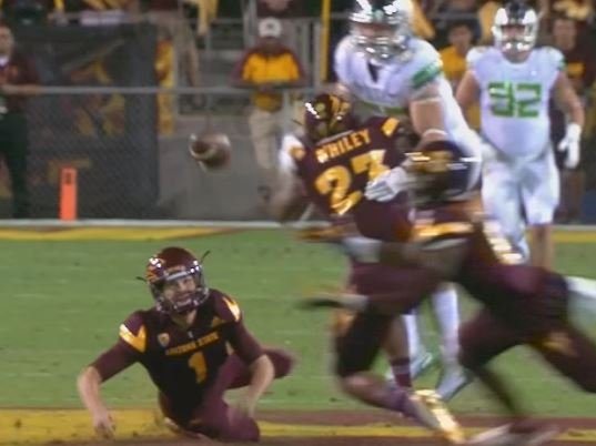 ASU kicker Brandon Ruiz surprises Oregon with an on-side kick. (Source: 3TV/CBS 5)