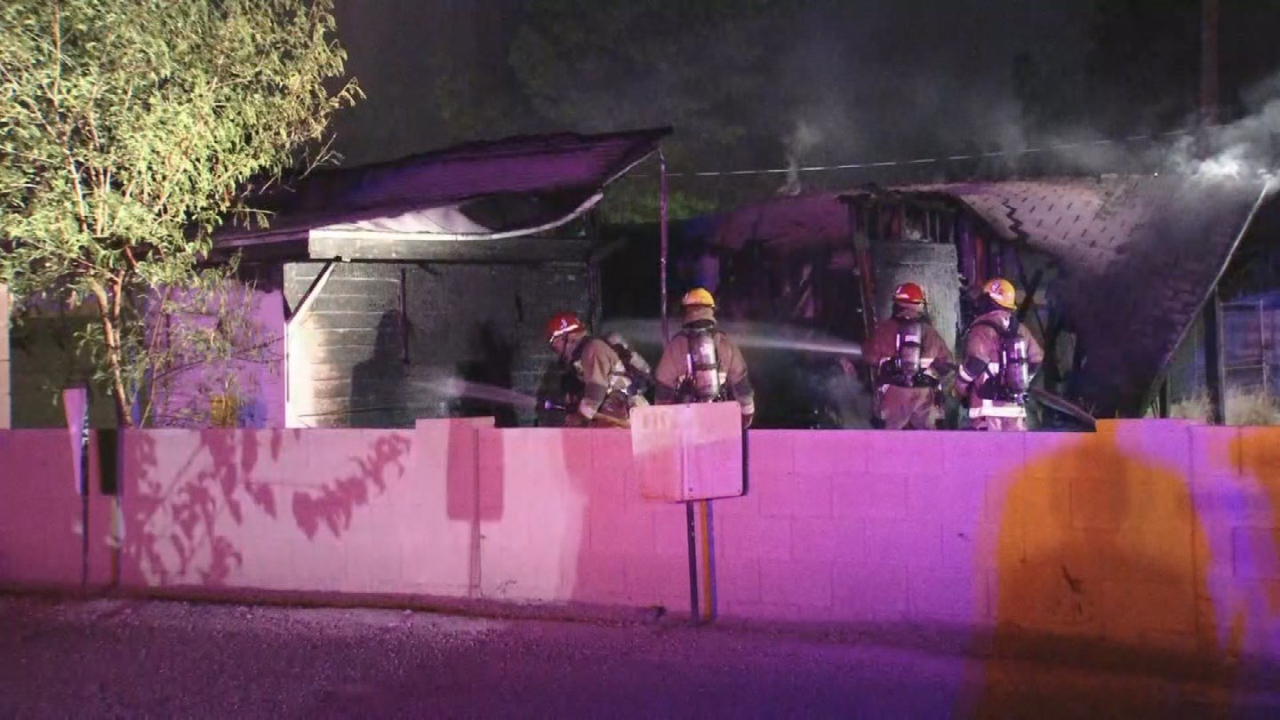 Phoenix firefighters battled an abandoned house fire early Wednesday morning. (Source: 3TV/CBS 5)