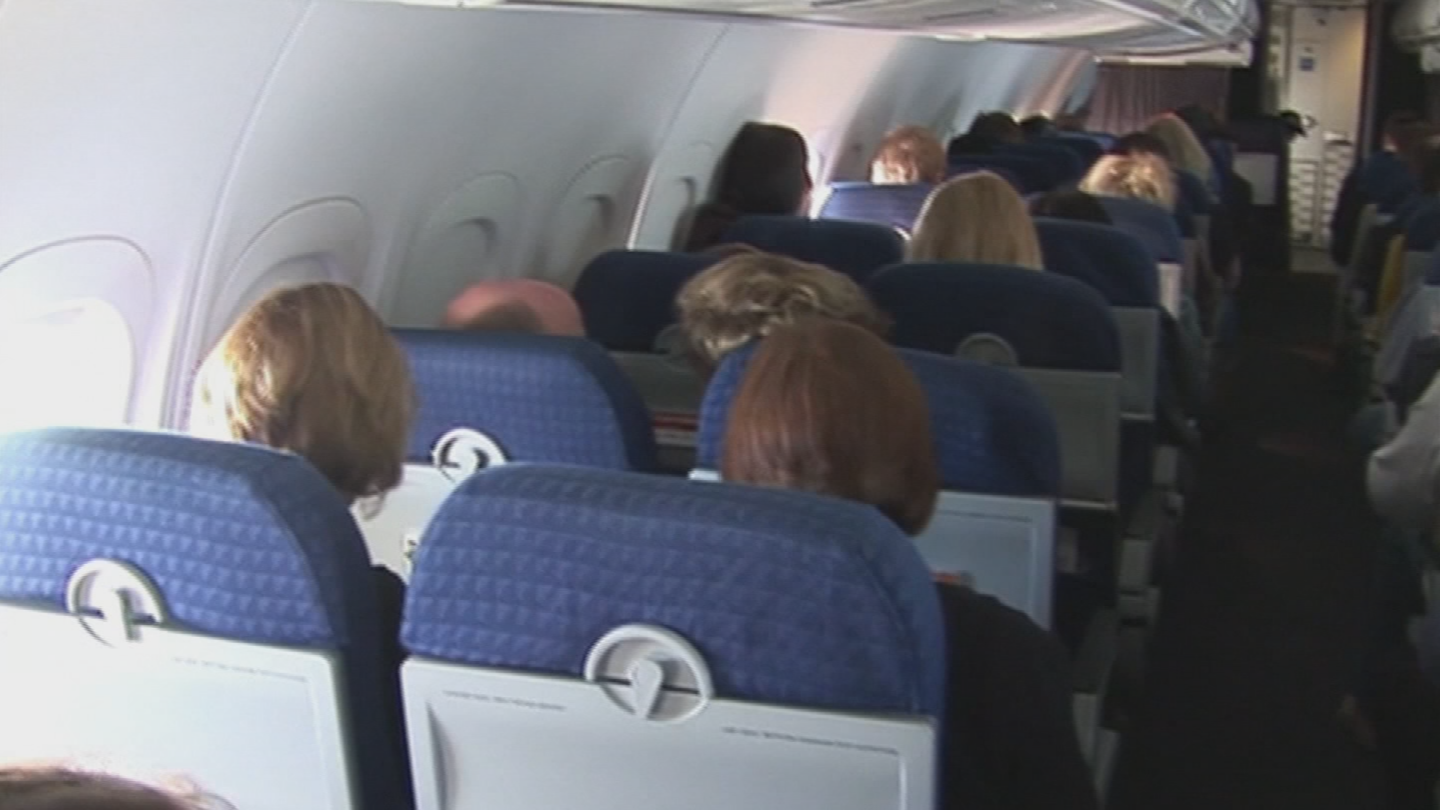 Bottom line, based on their extensive research, if you're afraid of catching something, the best way to mitigate that risk, choose random or two-zone boarding and don't cluster up outside the gate, waiting for take off. (Source: 3TV/CBS 5)