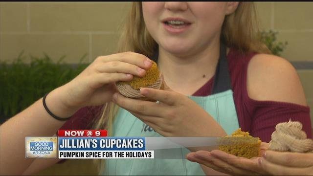 This is the proper way to eat a cupcake -- like a sammich! (Source: 3TV)