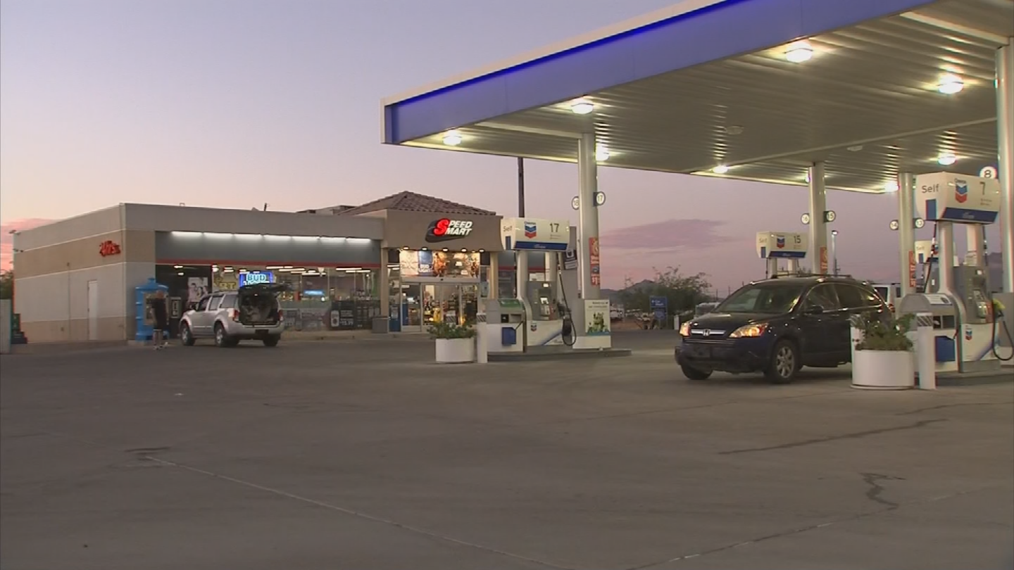 He was spotted at the gas station next door, where an employee called the Maricopa County Sheriff's Office. (Source: 3TV/CBS 5)