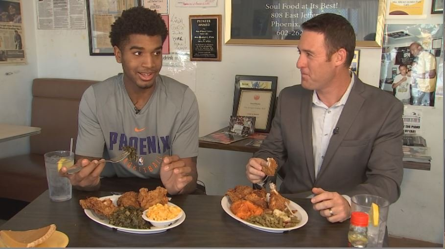 Heading into his second season with the Suns, Marquese Chriss made his first trip to Mrs. White's and the Suns invited AzFamily along. (Source: 3TV/CBS 5)