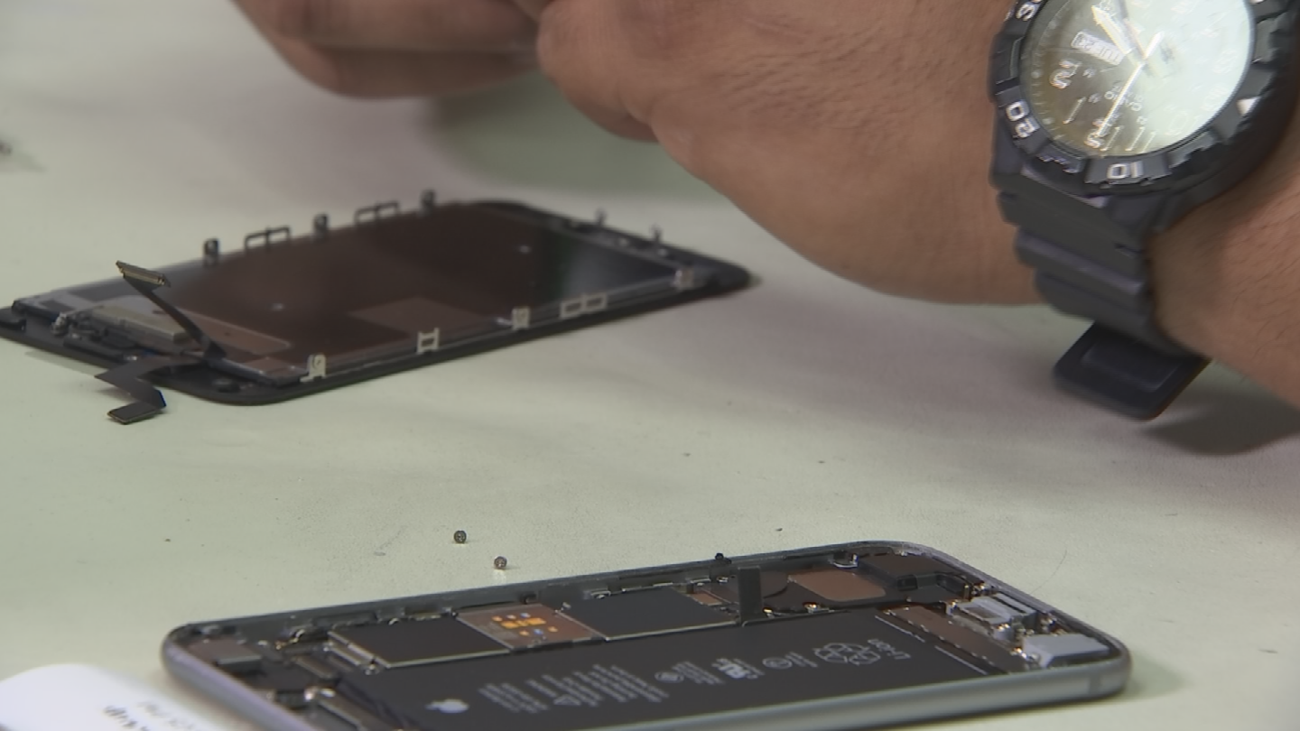 The legislation introduced in at least eight states would push for manufactures of things like cell phones, appliances and computers to give up repair manuals and sell spare parts to the consumer or repair shops. (Source: 3TV/CBS 5)