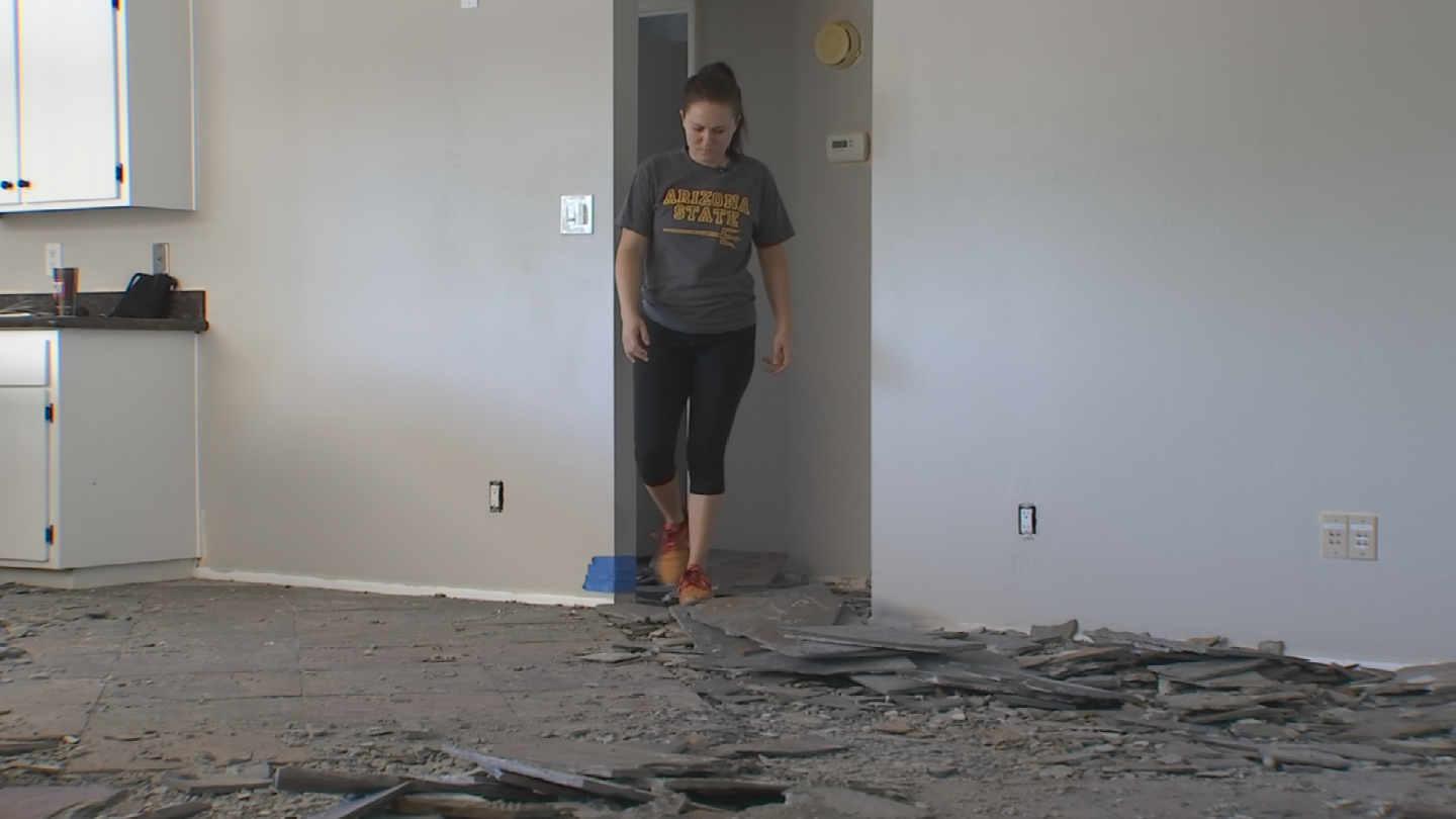 Caitlin Haffner says the mess in her house is the result of an ongoing and unresolved issue with the floor removal company she hired. (Source: 3TV/CBS 5)