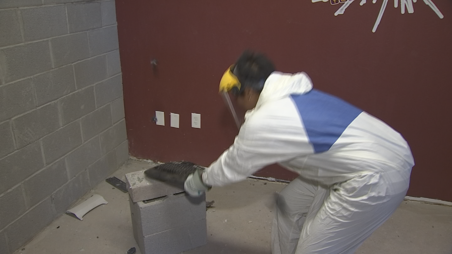Whatever has got you all wound up,you can get it all out at Simply Smashing. (Source: 3TV/CBS 5)