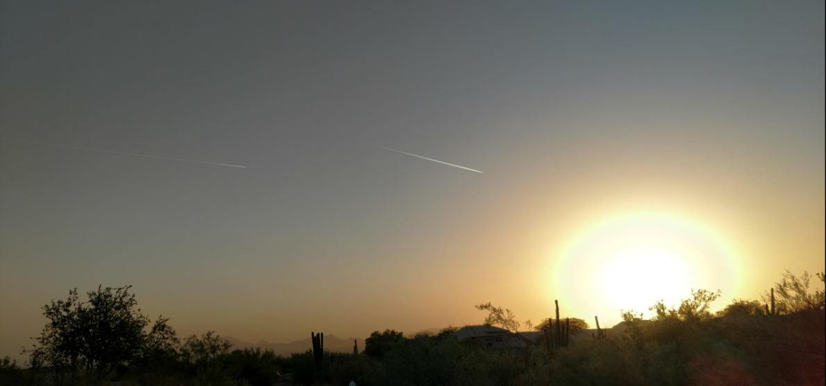 Recent Day in AZ with few contrails. (Source: Royal Norman)