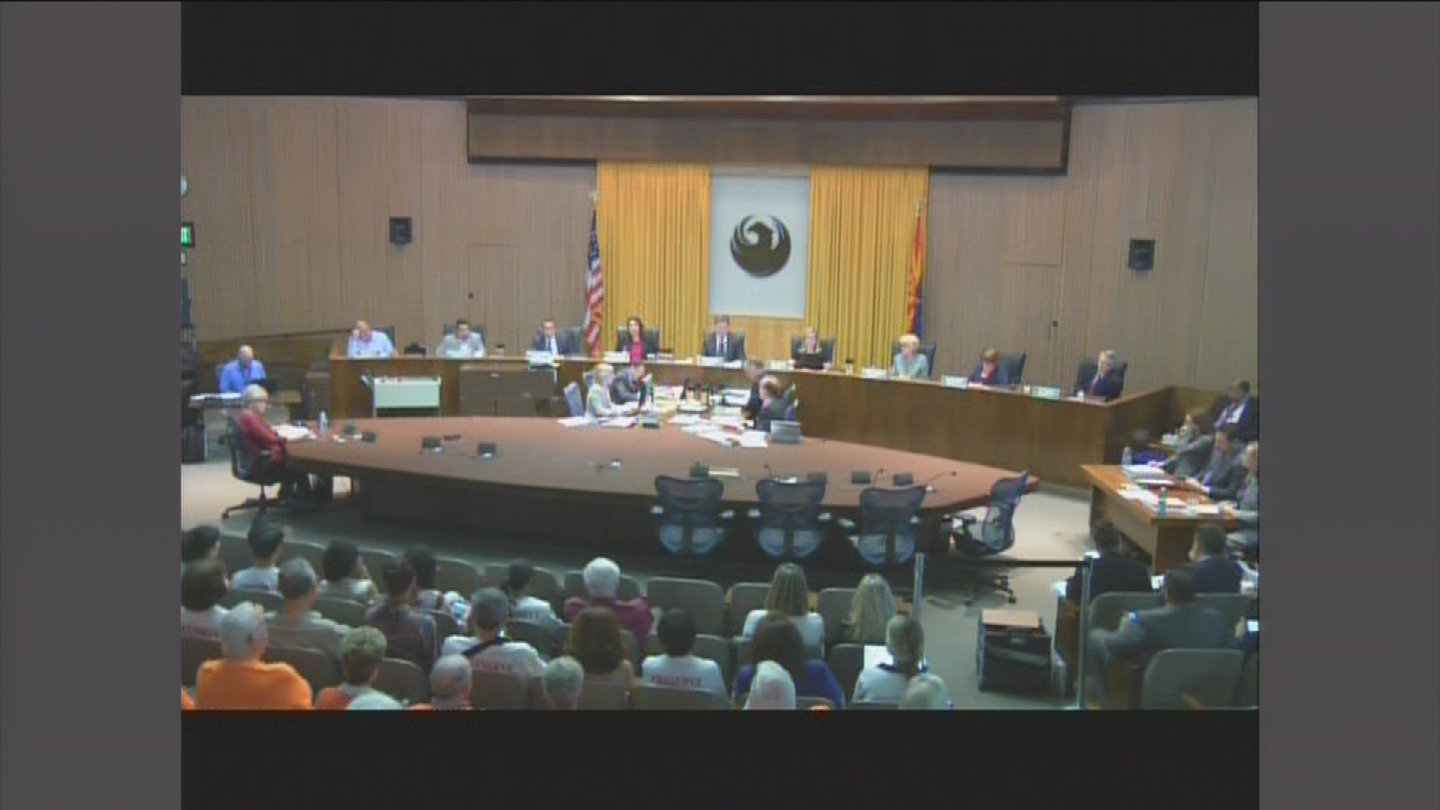 Seeing the need for another alternative, Phoenix City Council unanimously approved opening a new temporary library Wednesday afternoon. (Source: 3TV/CBS 5)