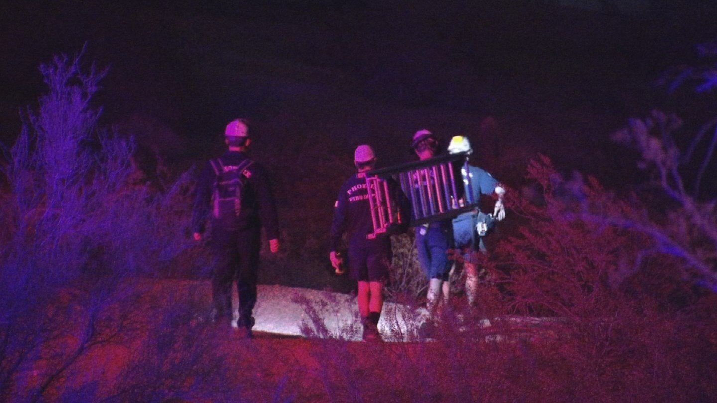 Phoenix and Tempe firefighters safely removed a trapped hiker from Papago Mountain overnight Thursday. (Source: 3TV/CBS 5)