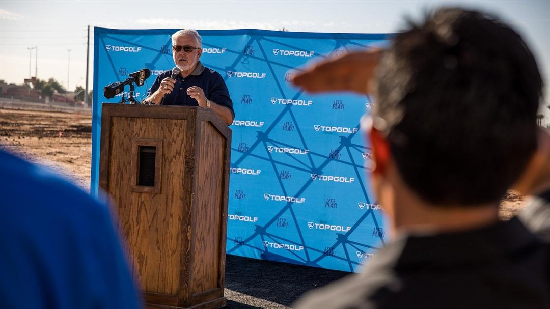 Glendale Mayor Jerry Weiers speaking on the addition of Topgolf in the Glendale community. (Source: Topgolf/ Ben & Kelly photography)