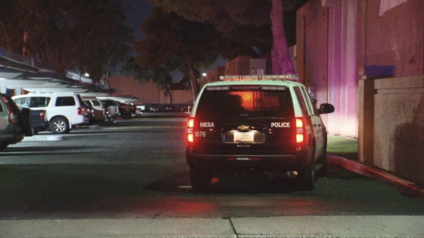 A man was shot and injured at a Mesa apartment complex early Friday morning, police say. (Source: 3TV/CBS 5)