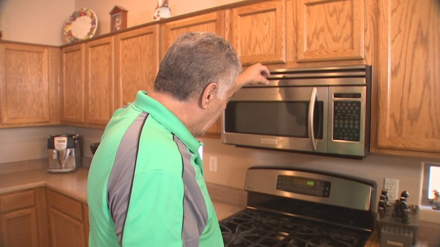 Microwave oven caught fire while being used according to Gilbert homeowner. 13 Nov. 2017 (Source: 3TV/CBS 5 News)