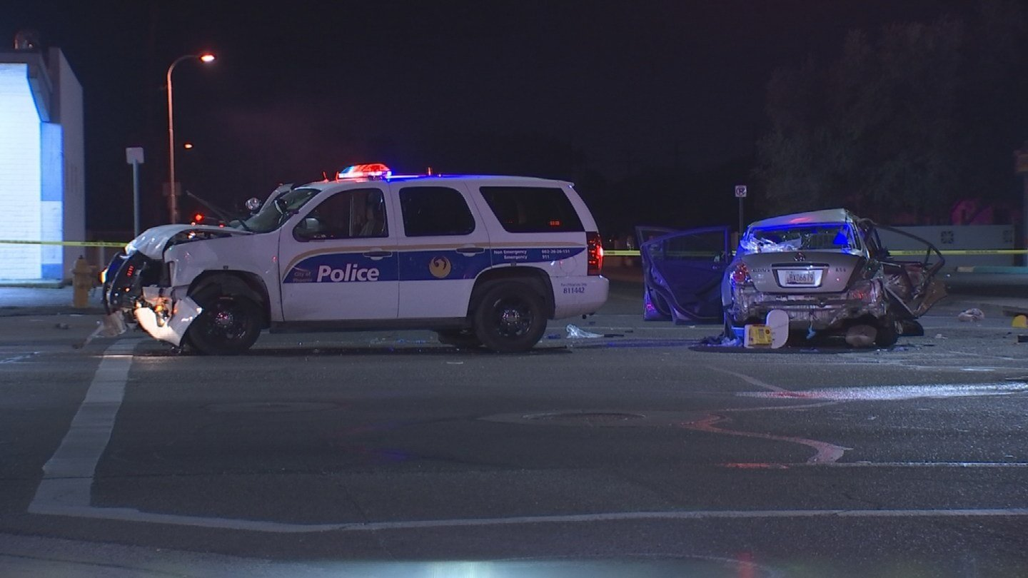 Three adults and two kids were injured in an officer-involved accident in Phoenix. (Source: 3TV/CBS 5)