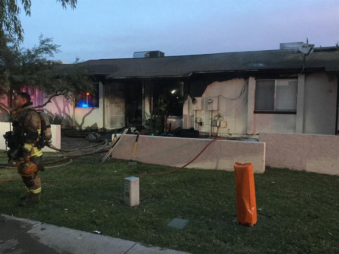 In total, 10 people are displaced including 5 kids. The Phoenix Crisis Response Team is on the scene working with the displaced. (Source: Phoenix FD)