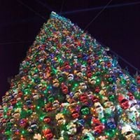 This is what the tree looked like last year. (Source: Outlets at Anthem)