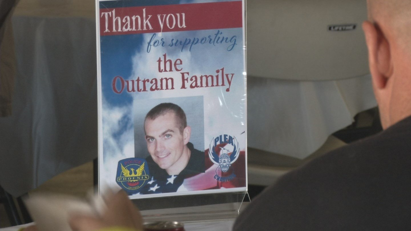 A barbecue fundraiser was held by the Phoenix Police Department for one of their officers after hewas injured during an off-duty accident in October. (Source: 3TV/CBS 5)