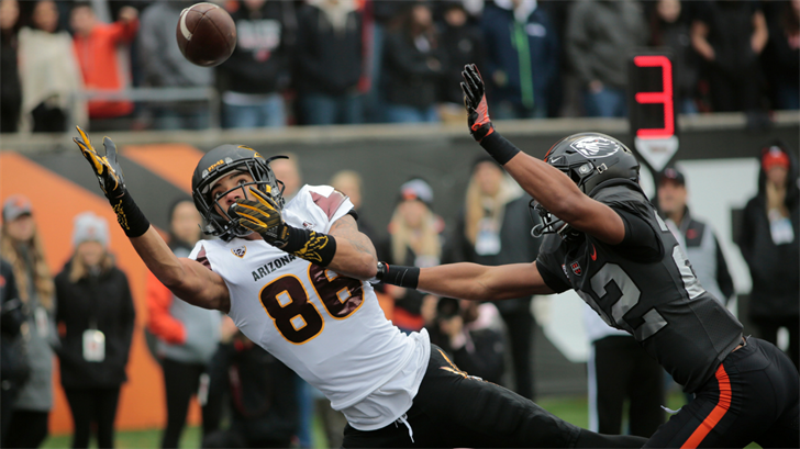 ASU's Curtis Hodges makes a touchdown catch in the first quarter against Oregon State (AP Photo/Timothy J. Gonzalez)