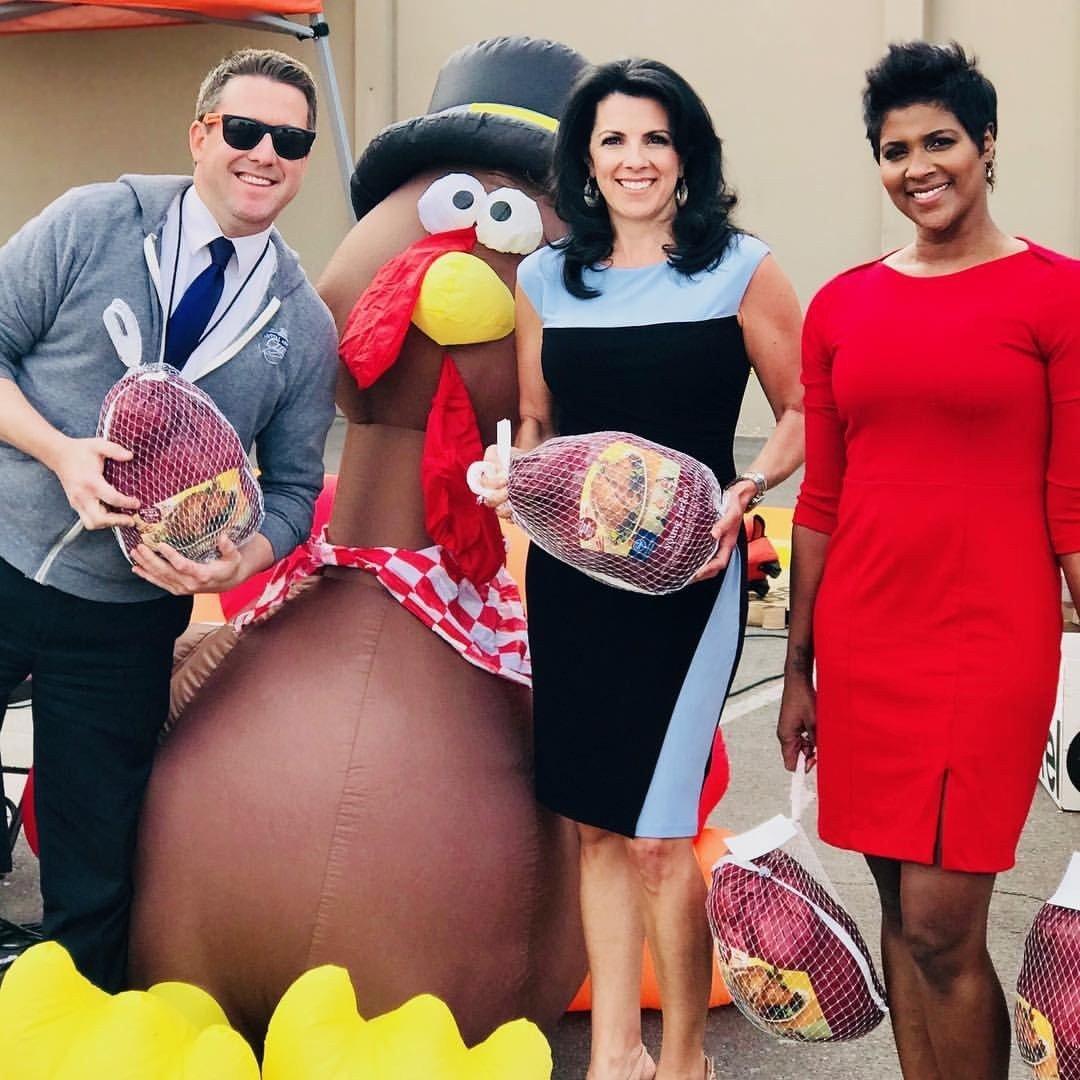 Wake Up Arizona crew including Ian Schwartz, Heidi Goitia and Yetta Gibson donating at St. Mary's. (Source: 3TV/CBS 5)