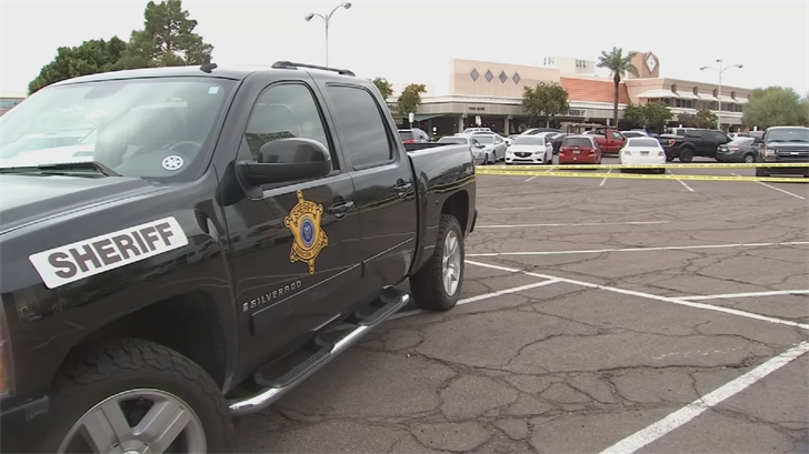 MCSO posse members will once again this holiday season patrol malls throughout the Phoenix metro area. (Source: 3TV/CBS 5)
