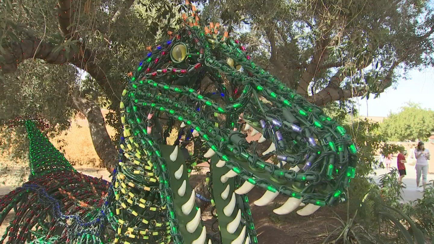 """That dinosaur is Fran and she's this year's """"big wow."""" (Source: 3TV/CBS 5)"""