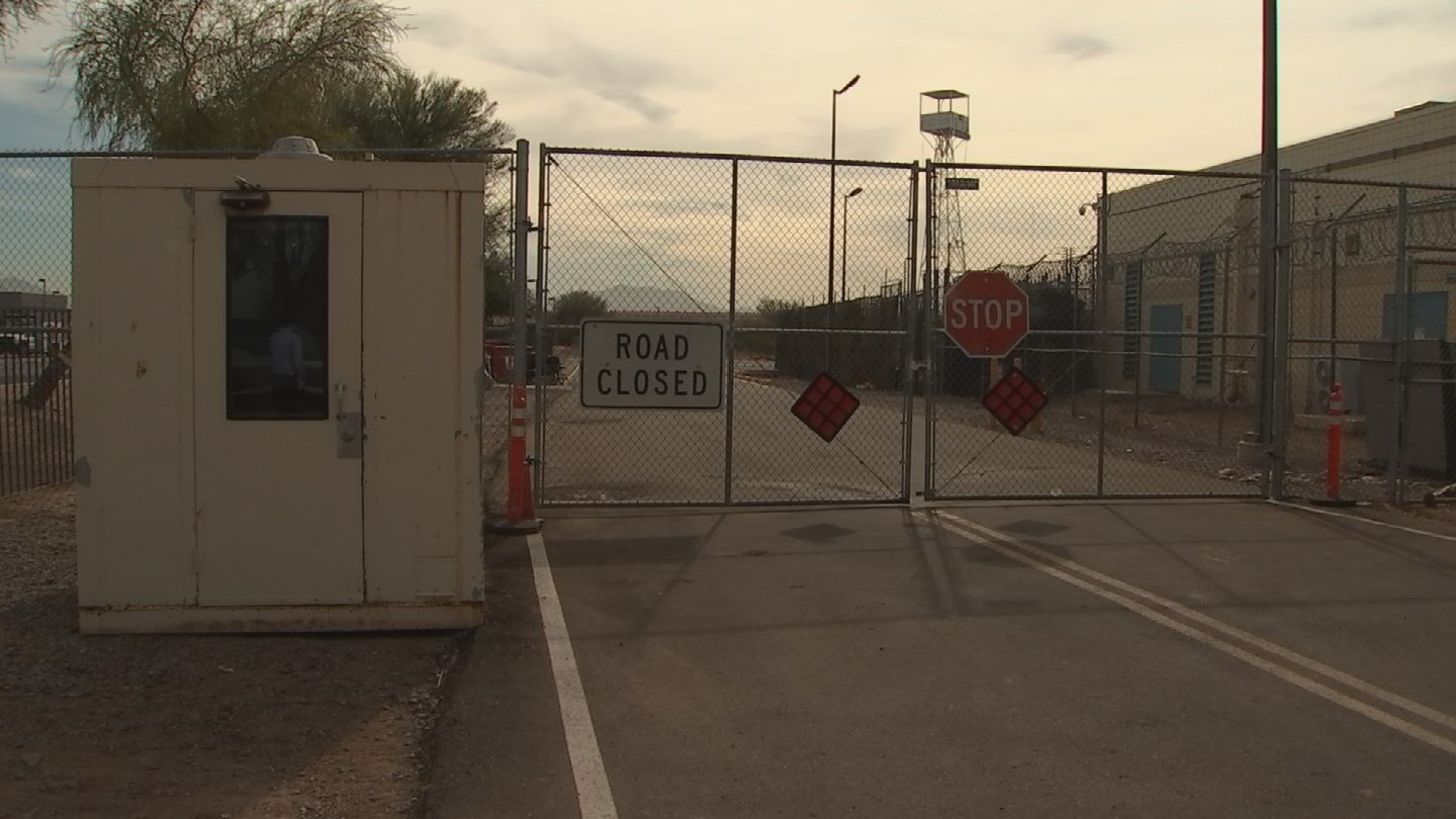Proposed inmate training facility not welcome by neighbors. 27 Nov. 2017 (Source: 3TV/CBS 5 News)