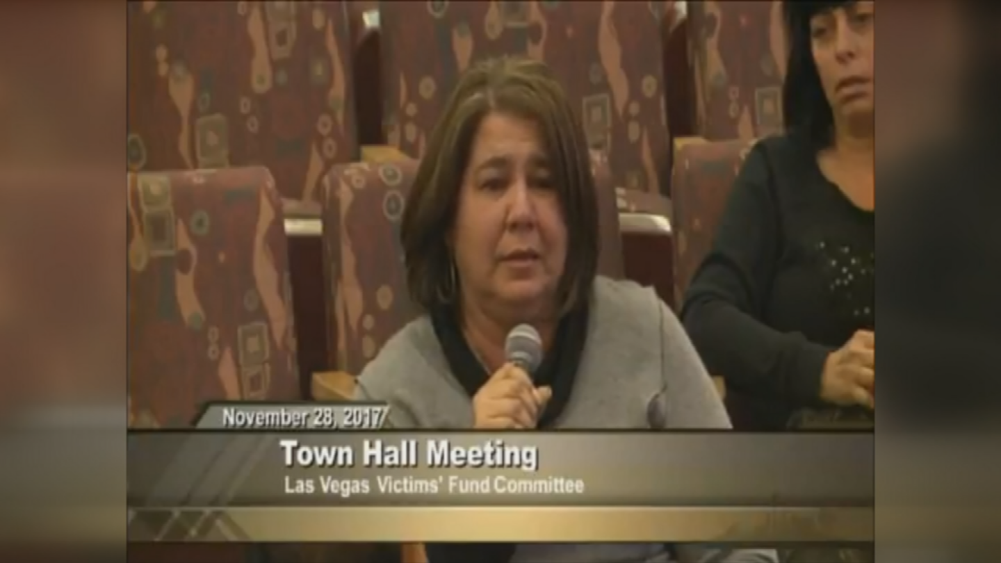 Michelle Leonard at a town hall meeting in Las Vegas. (Source: 3TV/CBS 5)