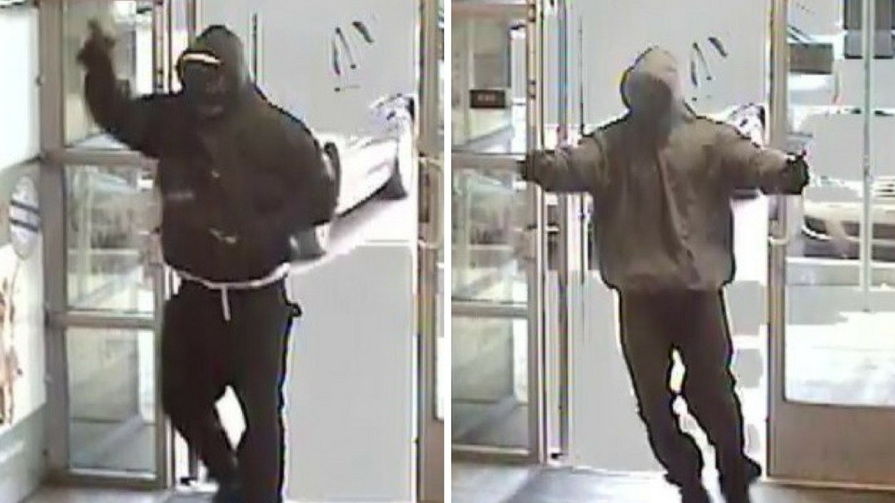 Surveillance photos from bank robbery in Glendale Friday. 1 December 2017 (Source: 3TV/CBS 5 News)