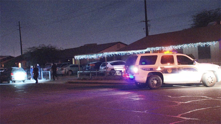 A man accidentally shot himself in the leg after an argument led to him hanging onto a moving car in Phoenix on Monday. (Source: 3TV/CBS 5)