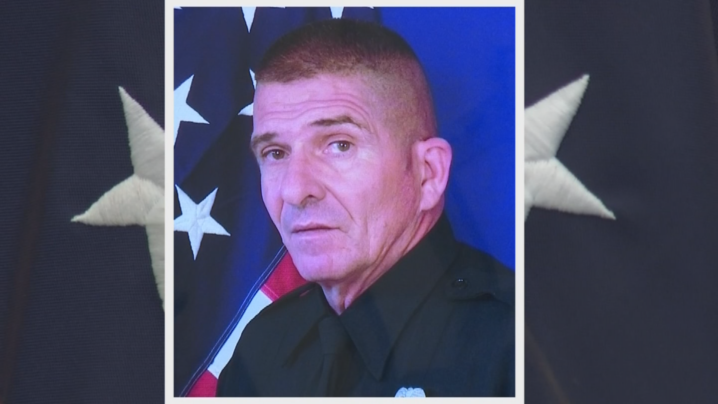 A vigil is scheduled for Thursday for 17-year El Mirage police veteran Ofc. Paul Lazinsky. (Source: 3TV/CBS 5)
