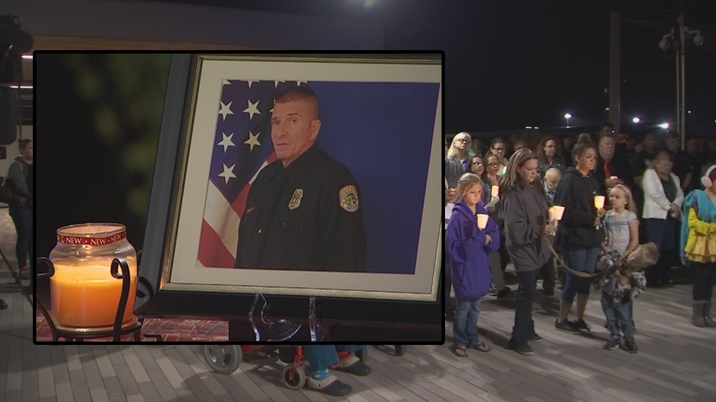 Dozens came out for a vigil for 17-year El Mirage police veteran Ofc. Paul Lazinsky. (Source: 3TV/CBS 5)