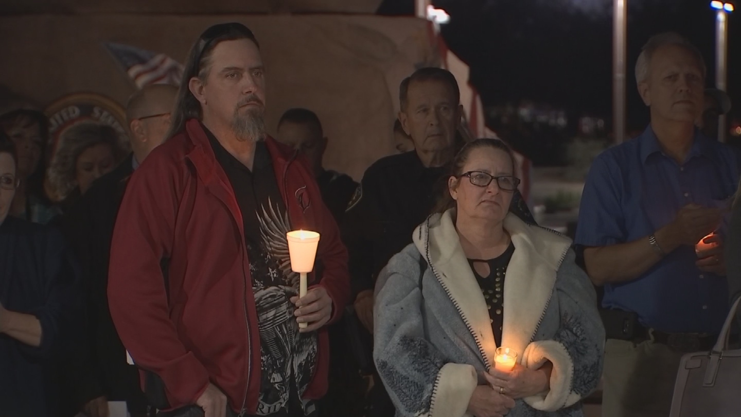 Candles were lit in honor of Ofc. Paul Lazinsky. (Source: 3TV/CBS 5)