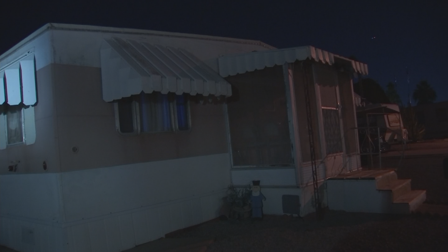 People at Holiday Village in Mesa have spent the past three days without heat or hot water. (Source: 3TV/CBS 5)