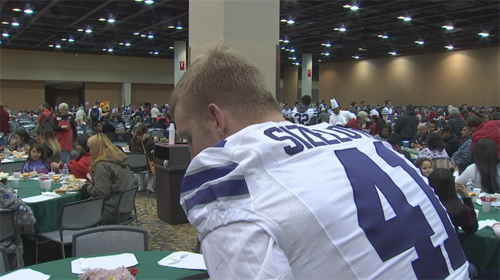 Among the volunteers were players for the Kansas State football team, who are in town to play UCLA in the Cactus Bowl. (Source: 3TV/CBS 5)