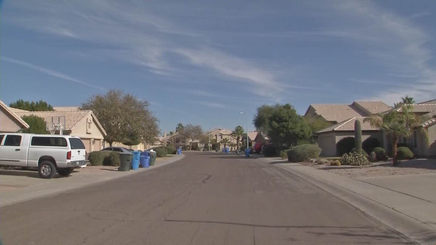 People in an Ahwatukee neighborhood said there is a bad-smelling odor but don't know where it's coming from. (Source: 3TV/CBS 5)