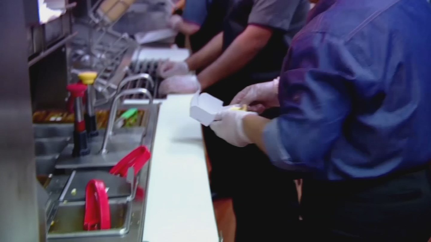 Minimum wage workers in Arizona will see a pay increase on Monday. 29 Dec. 2017 (Source: 3TV/CBS 5 News)