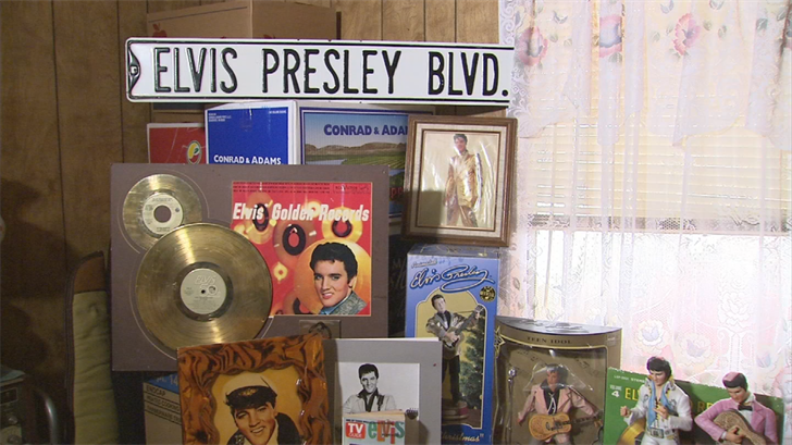 A local Elvis impersonator's estate is going up for auction near Ironwood Drive and Shiprock Street on Saturday.(Source: 3TV/CBS 5)