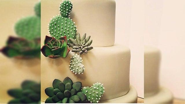 In picturesque Sedona, imagine this - cactus and succulent cupcakes. (Source: Sedona Cupcake Couture)