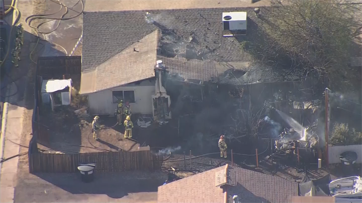 Vacant home in Chandler caught fire Friday. 5 Jan. 2018 (Source: 3TV/CBS 5 News)
