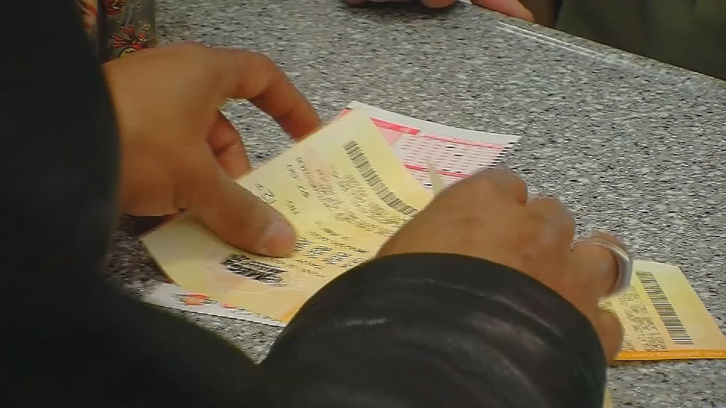 What do you do if you win the Lottery? 5 Jan. 2018 (Source: 3TV/CBS 5 News)