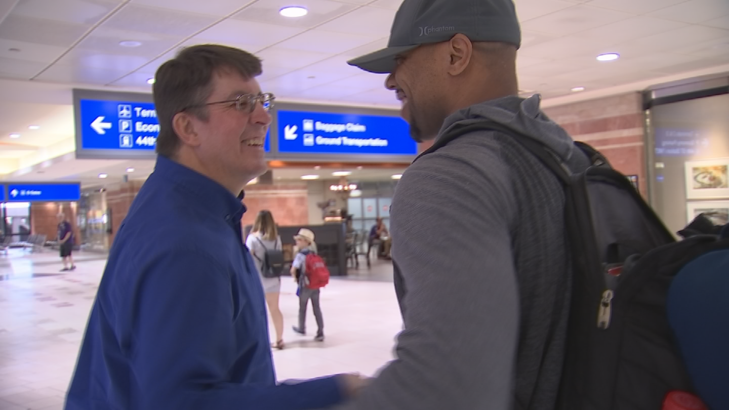 Rick Hudson and Dorian Speed arrived at Sky Harbor Airport on Sunday afternoon. (Source: 3TV/CBS 5)