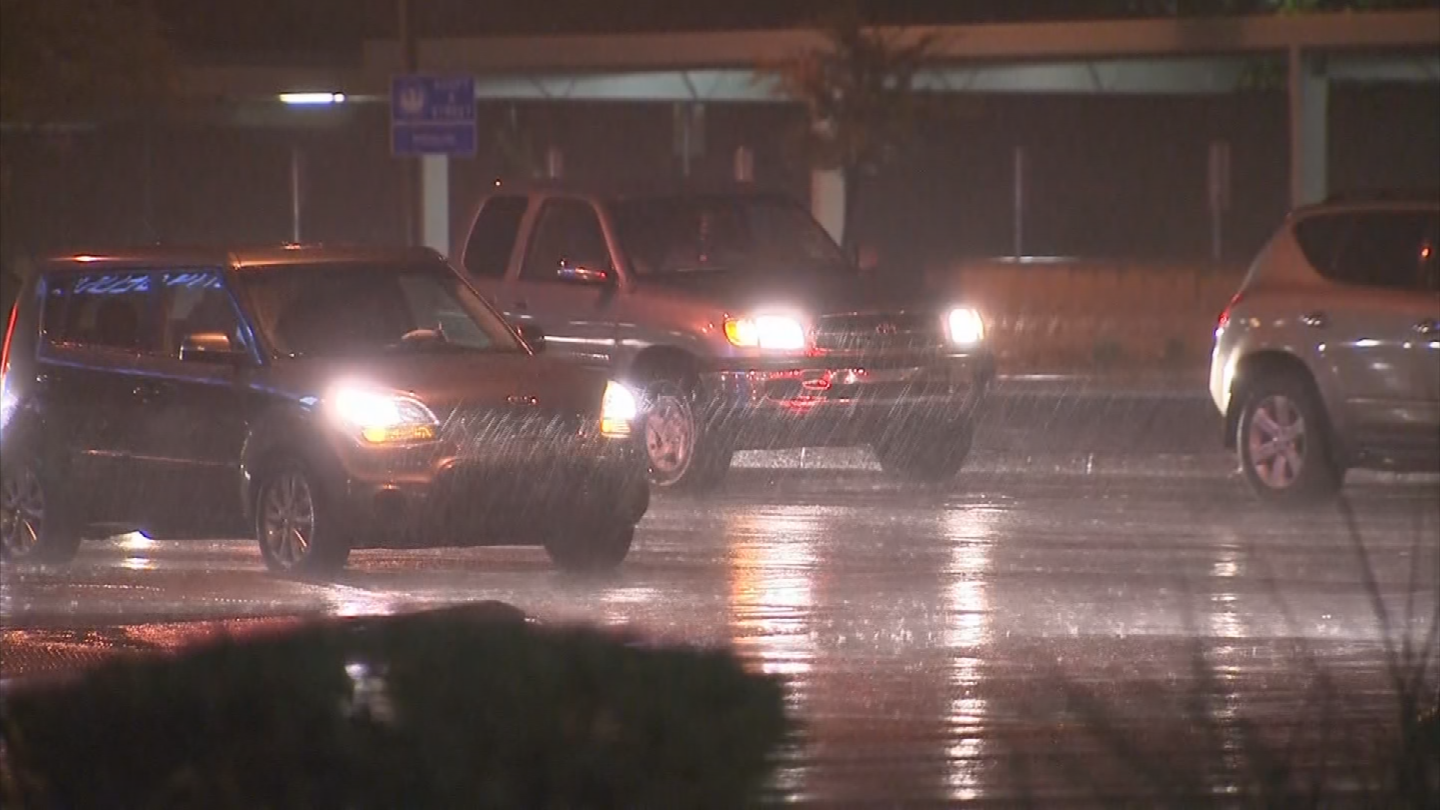 The rain started to really come down in Phoenix around 9:15 p.m. (Source: 3TV/CBS 5)