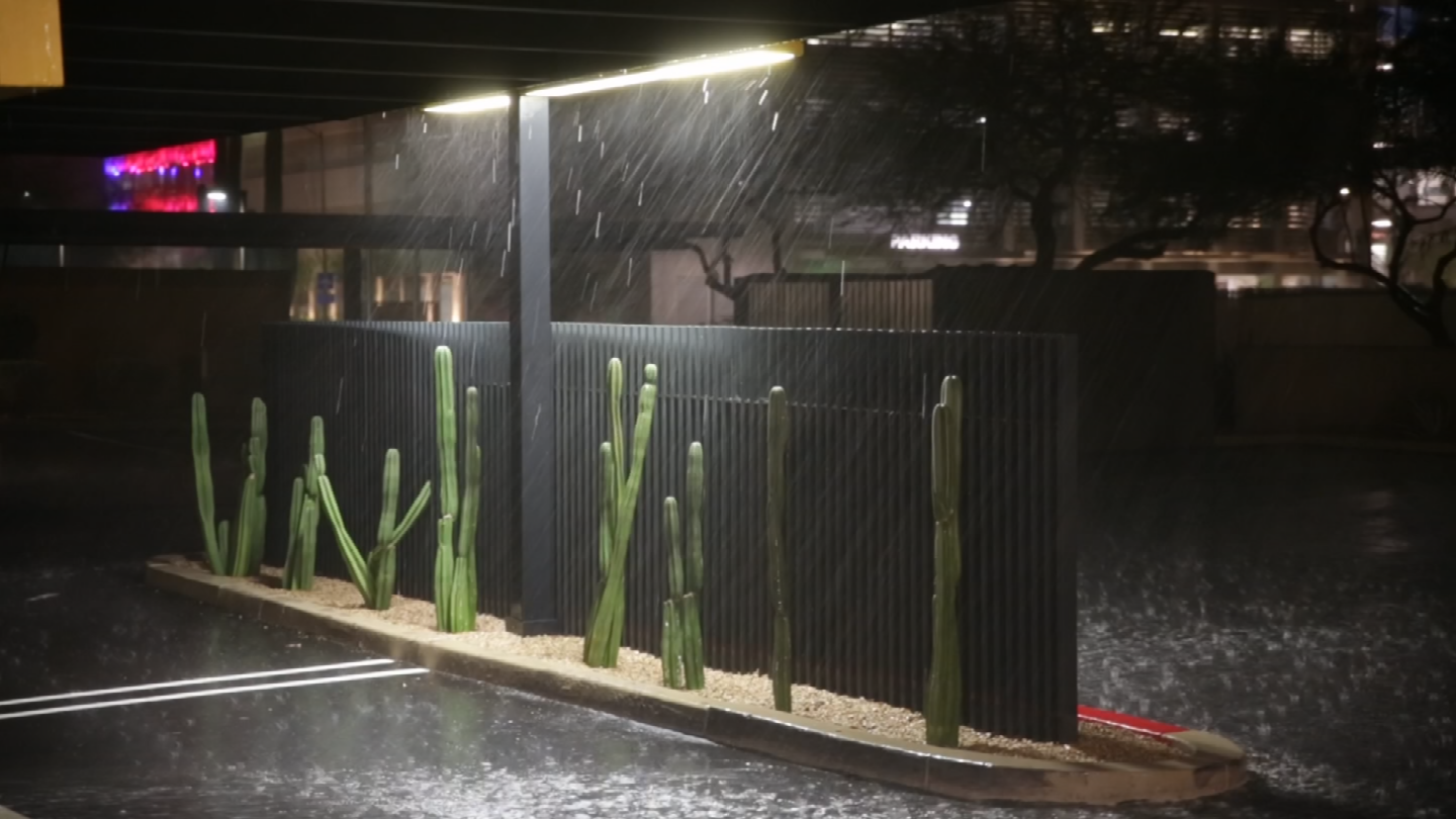 This is rain from the Scottsdale Airport. (Source: ChopperGuy)