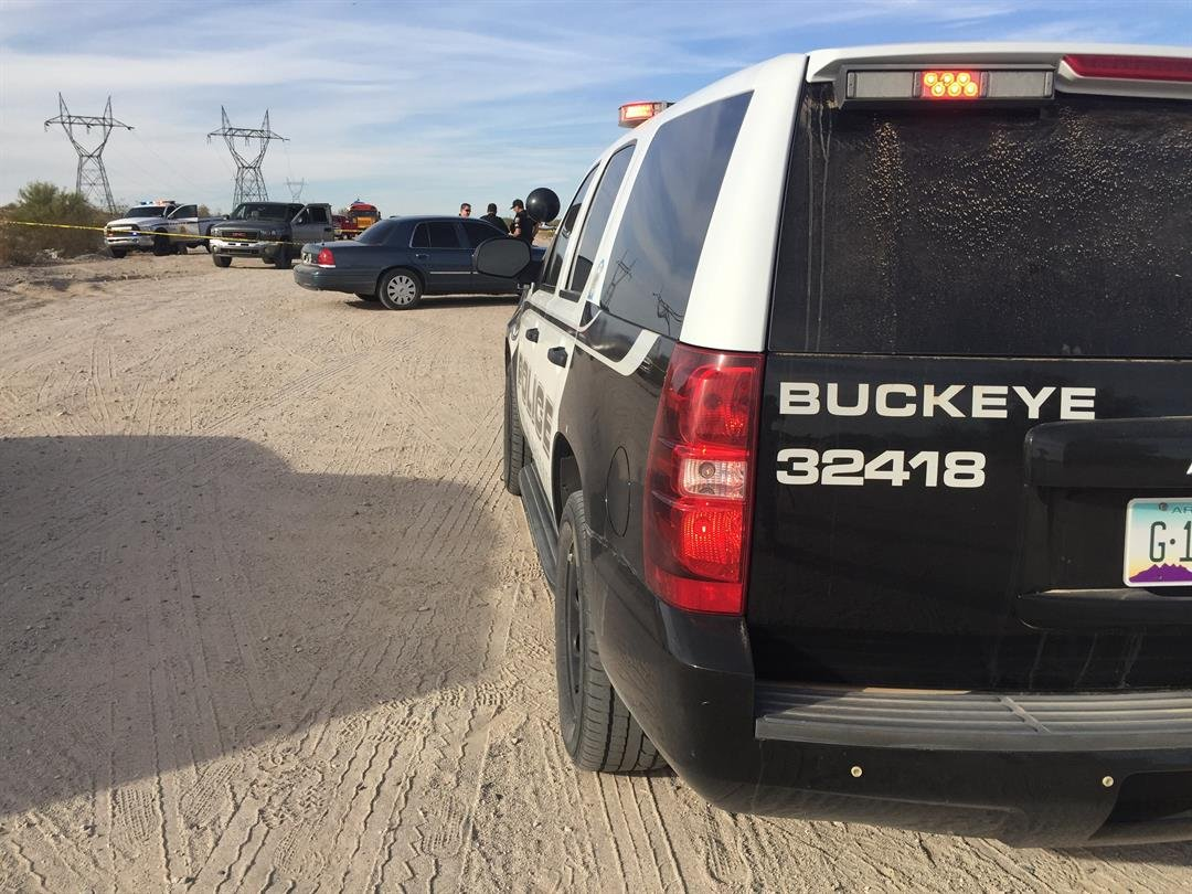 Buckeye Police on scene near Miller Rd. and I-10 where a woman was shot in the chest. 14 Jan. 2018 (Source: 3TV/CBS 5 News)