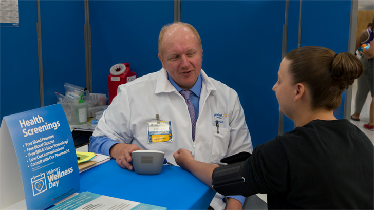 Patients can get free screenings on blood glucose, blood pressure, body mass index and low-cost immunizations. (Source: Walmart)