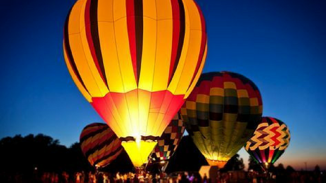 Hot air balloons on display. (Source: Phoenix Balloon Festival)
